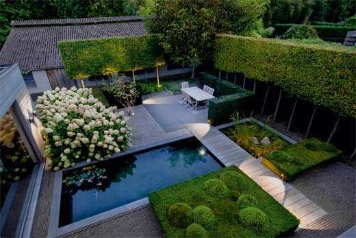 moderne tuin met vijver woontrendz ForGrensafscheiding Tuin