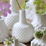 Woontrendz-lentedecoratie-glazen-vazen-wit