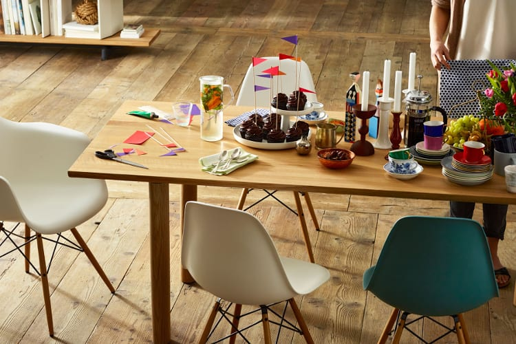 Eames Plastic Chair Armchair en Side Chair