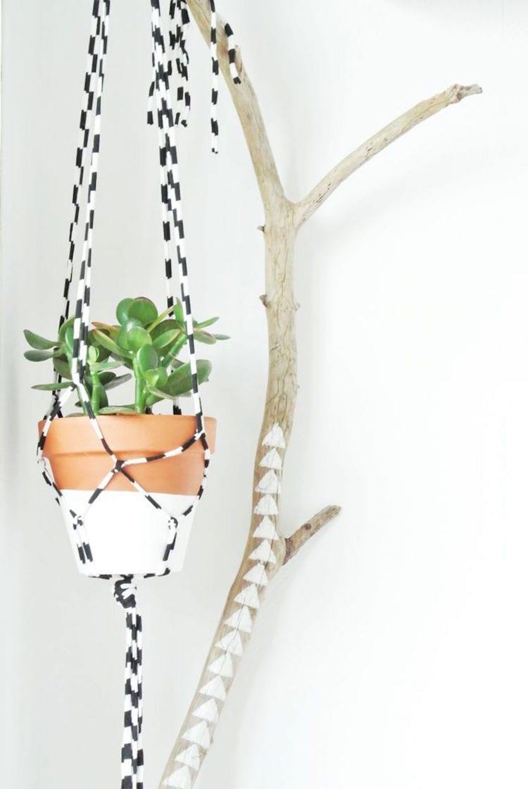 Macramé met gekleurd touw