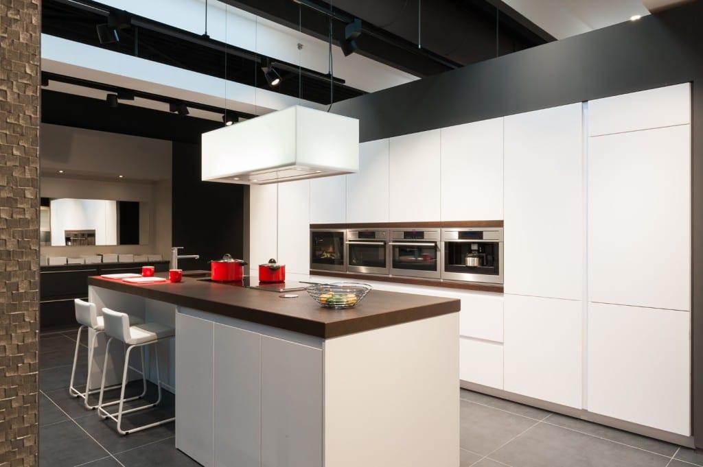 Kookeiland moderne witte keuken