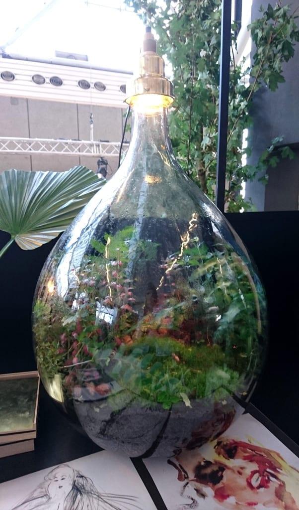 vtwonen beurs glazen stolp met planten, terrarium