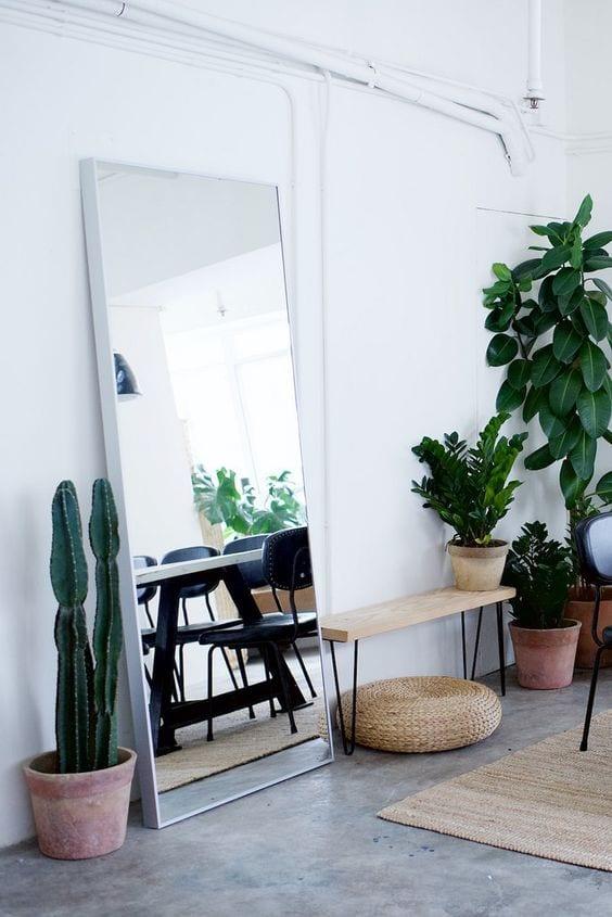 Spiegel in de woonkamer