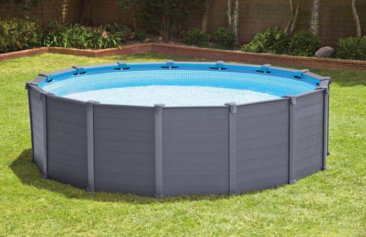 5 voordelen van een opzetzwembad woontrendz for Opzetzwembad ingraven