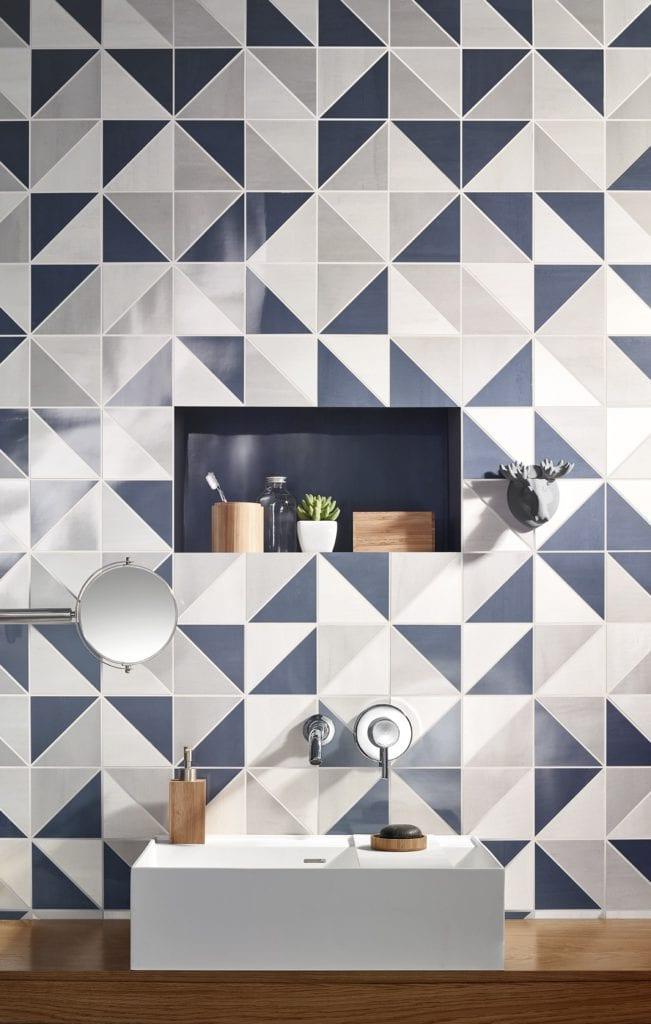 Badkamertegels in patroon en pasteltinten