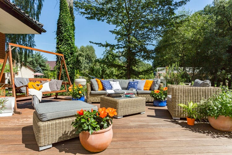 Zomerse Tuin Inspiratie : Loungen in je eigen tuin deze zomer woontrendz