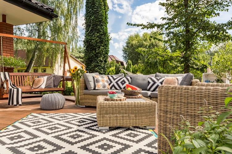 Beige loungeset met tuinkleed