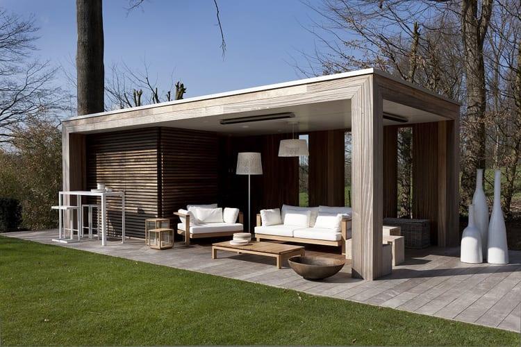 Modern tuinhuis met veranda