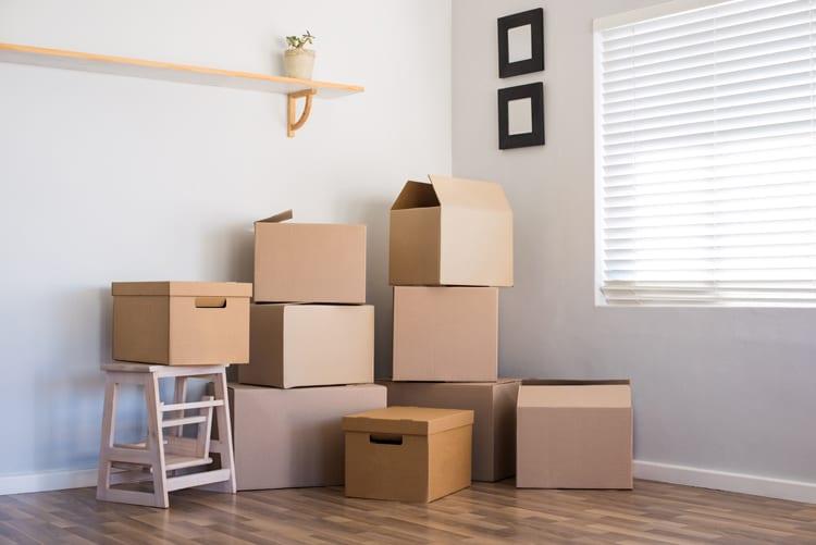 Verhuisdozen woonkamer