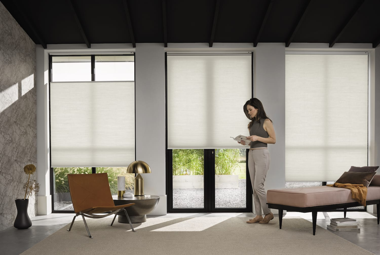 Smart Home raambekleding van Luxaflex<sup>®</sup>