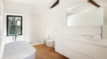 Badkamer met parket of laminaat
