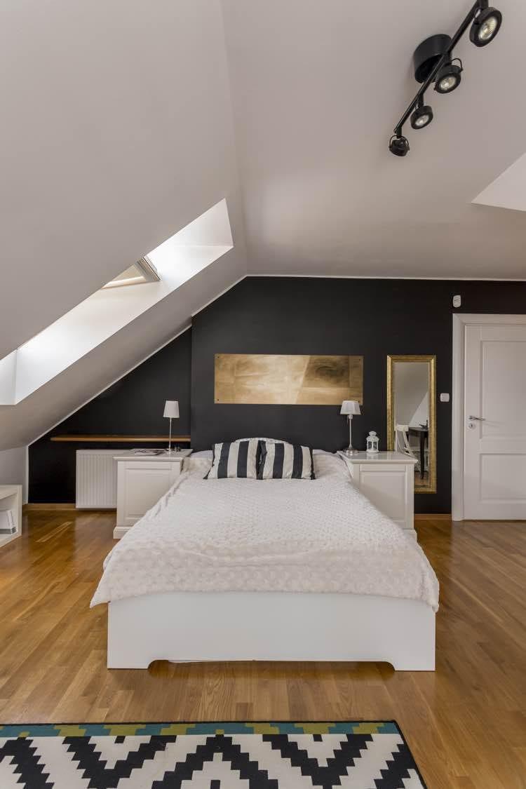 Eenpersoonsbed in slaapkamer