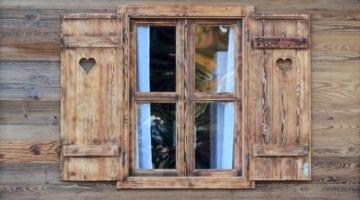 Houten chalet raam